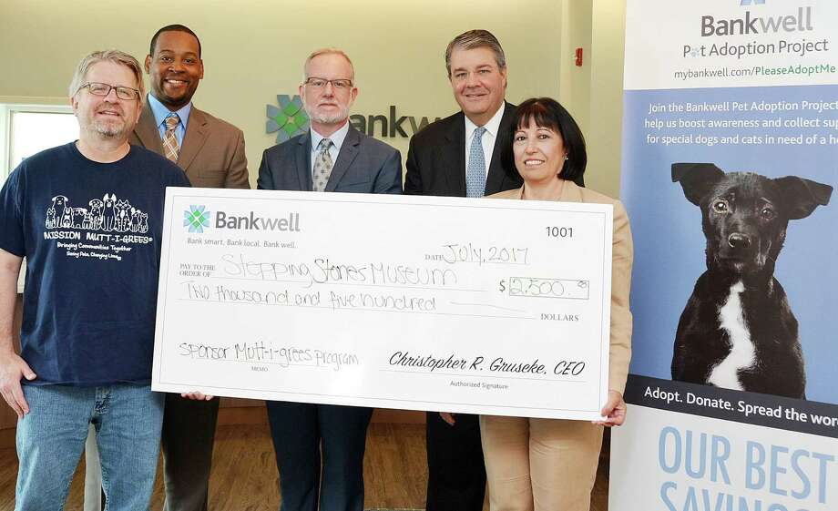 Bankwell donated $2,500 to the Stepping Stones Museum. From left: Stepping Stones Youth Programs Manager Dod March, Stepping Stones Director of Community Advocacy Robert Townes, Stepping Stones Director of Strategic Initiatives William Jeffries, Head of Community Banking at Bankwell David Dineen and Norwalk Branch Manager Vittoria Maccaro. Photo: Contributed Photo / New Canaan News