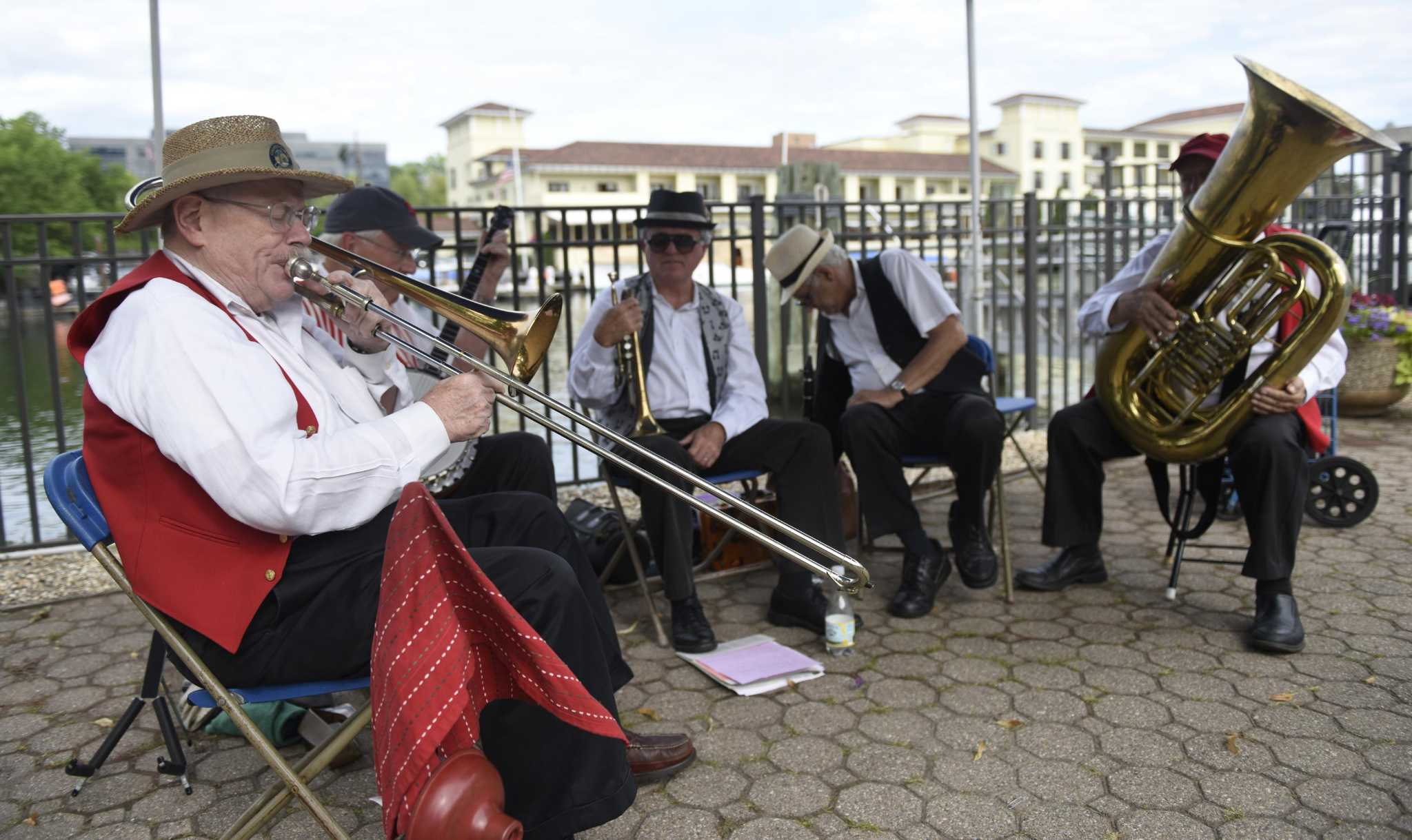 Jazz on the sound dixieland concert makes waves in for Swanson s fish market