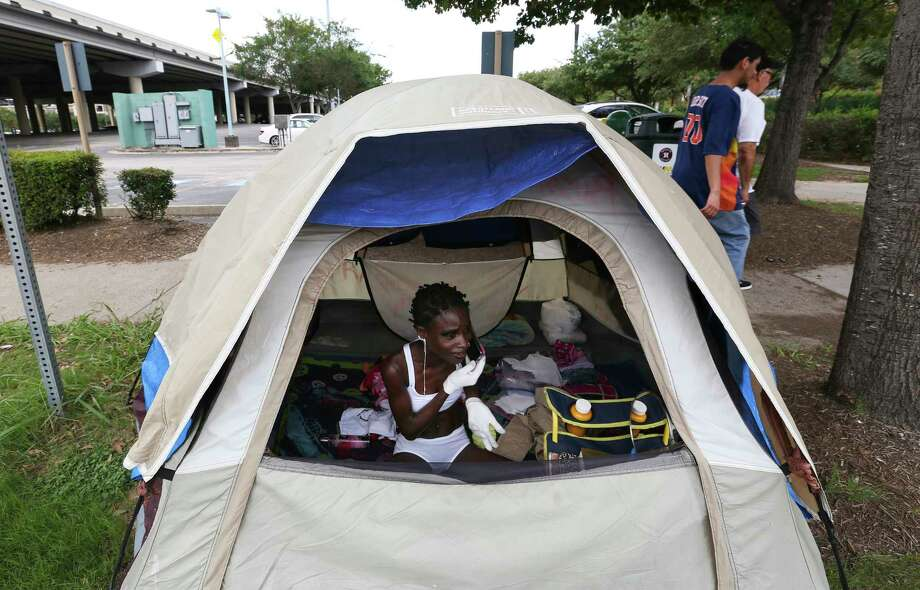 In June, just outside Minute Maid Park, Oluwabusayo Franccessca Osho lived in a tent. Photo: Yi-Chin Lee, Staff / © 2017  Houston Chronicle