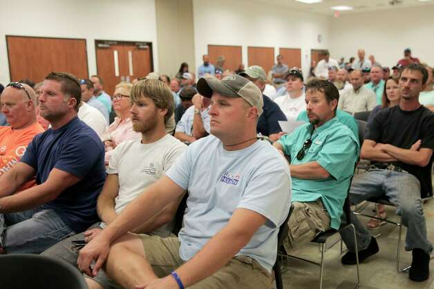 Recreational fisherman gather at a Texas Parks & Wildlife Public Scoping Meeting regarding the red snapper season on Monday, June 12, 2017. Photo: Elizabeth Conley, Houston Chronicle / © 2017 Houston Chronicle
