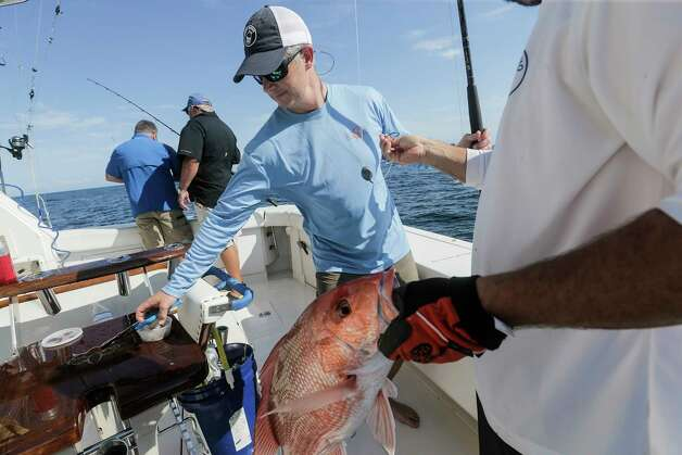 Recreational fisherman head out during the three-day red snapper season on Saturday, June 3, 2017 in the Gulf of Mexico. Photo: Elizabeth Conley, Houston Chronicle / © 2017 Houston Chronicle