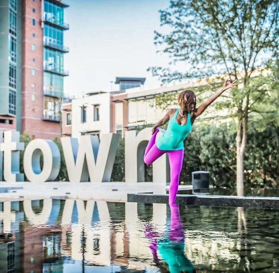 MIDTOWN: Midtown Houston in Bagby Park offers  fitness programming series Midtown in Motion. It's held the 2nd and 4th Saturday of the month. The event is free and open to individuals of all fitn. Photo: Midtown Houston