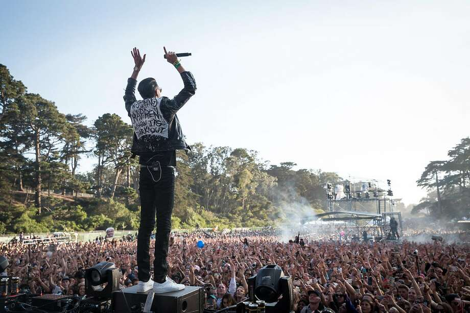 Oakland rapper G-Eazy performs on the Twin Peaks Stage in front of a packed audience at the 2015 Outside Lands Music and Arts Festival. Photo: Loren Elliott, The Chronicle