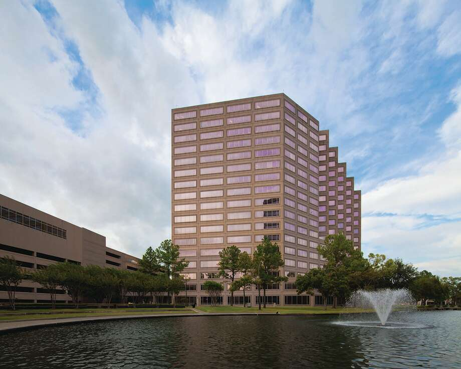 Two Westlake Park's $91 million loan was added to Morningstar Credit Ratings agency's watch list as vacancy in office space soars. Photo: Houston Chronicle / ONLINE_YES