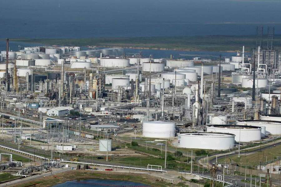 Marathon Petroleum to invest $1 2B in Galveston Bay refinery