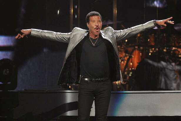 Lionel Richie performs during at the Toyota Center Friday August 4, 2017.(Dave Rossman Photo)