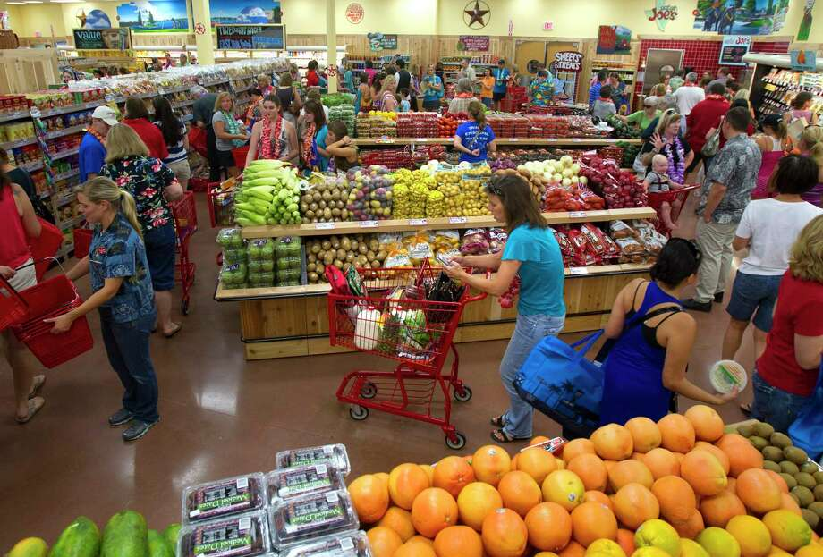 Customers shop at Trader Joe's in The Woodlands. The grocer was a popular pick among Pearlanders. Photo: Cody Duty, Staff / © 2011 Houston Chronicle