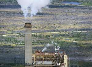 File photo of the San Miguel lignite coal power plant  near Campbellton, Texas. U.S. coal sales abroad over the first three quarters of the year surpassed exports for all of 2016, according to government figures. Energy experts project an increase of 46 percent for the full year, adding more than $1 billion to coal companies' revenues.