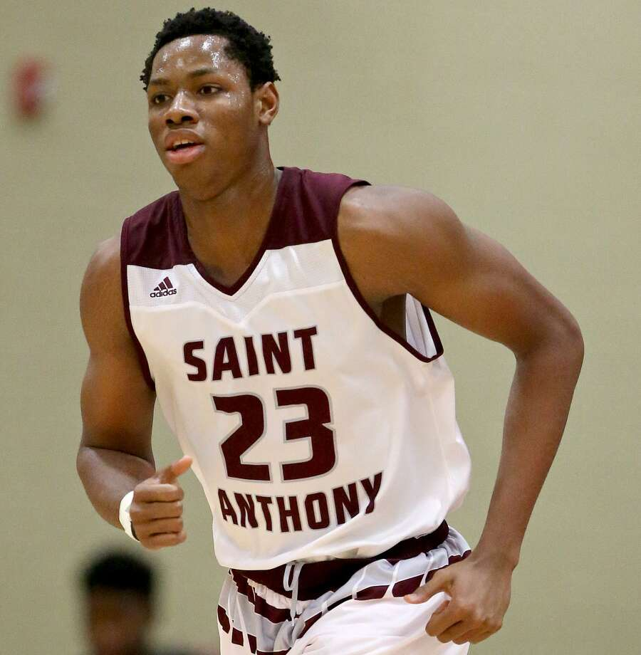 St. Anthony's Charles Bassey heads up court against Southwest Christian on Jan. 21, 2017 at Athlos Leadership Academy in San Antonio. Photo: Edward A. Ornelas /San Antonio Express-News / © 2017 San Antonio Express-News