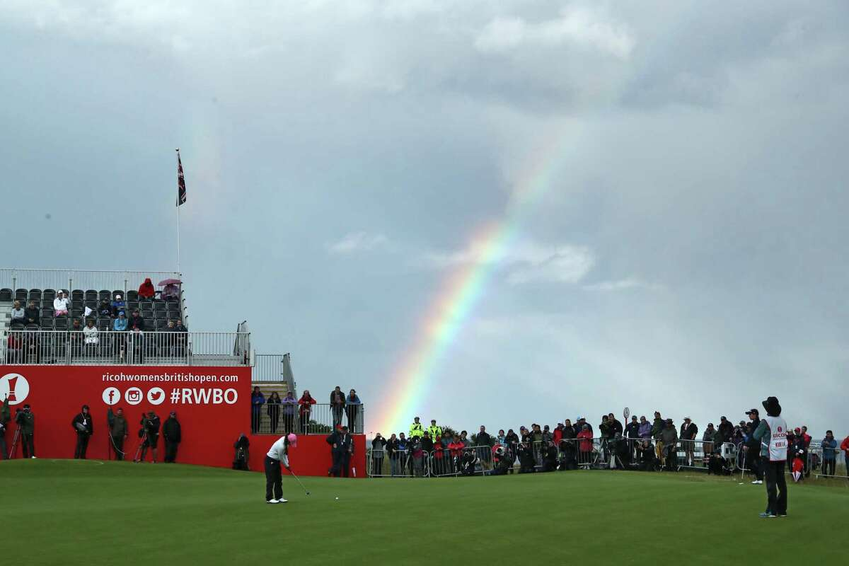 I.K. Kim finds a rainbow and a 6-under-par 66 at the end of her round at the Women's British Open in St. Andrews, Scotland. She has a six-shot lead.