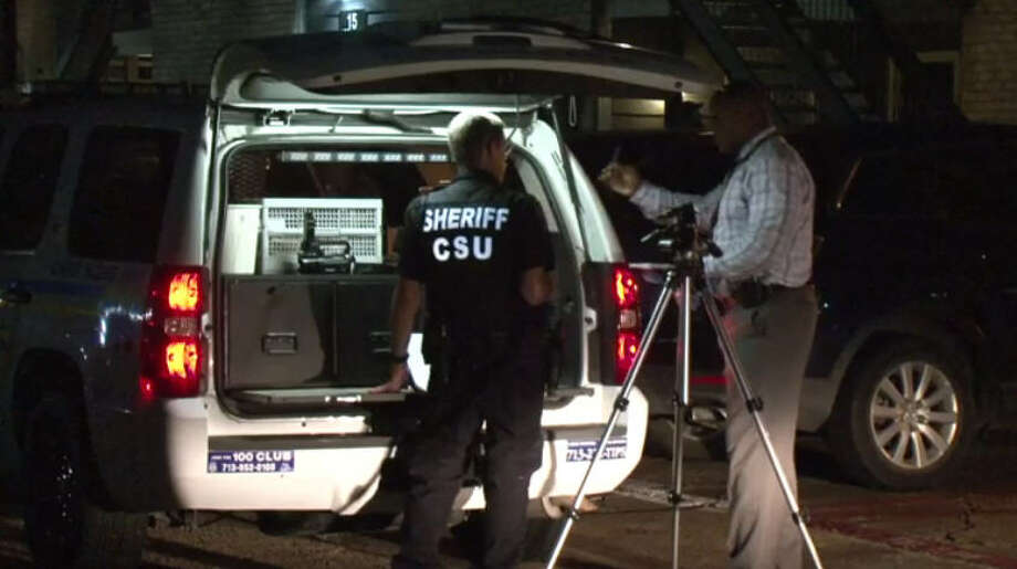 Two men were found dead in a vacant apartment in Harris County. Photo: Metro Video