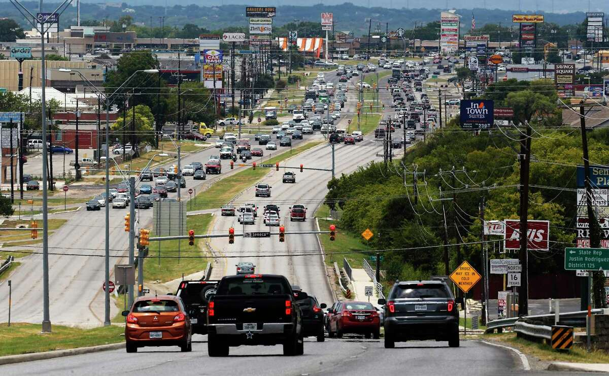 Heavy traffic on Bandera Road, the 7th most congested area in San Antonio and in the top 100 of congested areas in Texas. . (Kin Man Hui/San Antonio Express-News)