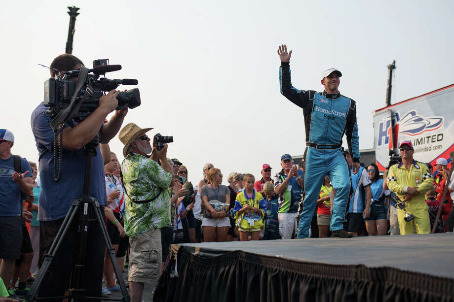 Jimmy Shane comes on stage to accept his trophy following the final heat of the Albert Lee Appliance Cup on the last day of Seafair, Sunday, Aug. 6, 2017. Photo: GRANT HINDSLEY, SEATTLEPI.COM / SEATTLEPI.COM