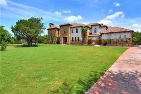 Foreclosure in Austin: 8500 Calera     Listing price : $1.75 million / 5,866 square feet