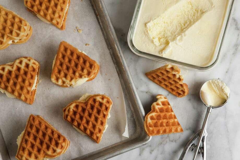 Salty Sweet Corn Ice Cream Sandwiches Photo: Goran Kosanovic / For The Washington Post