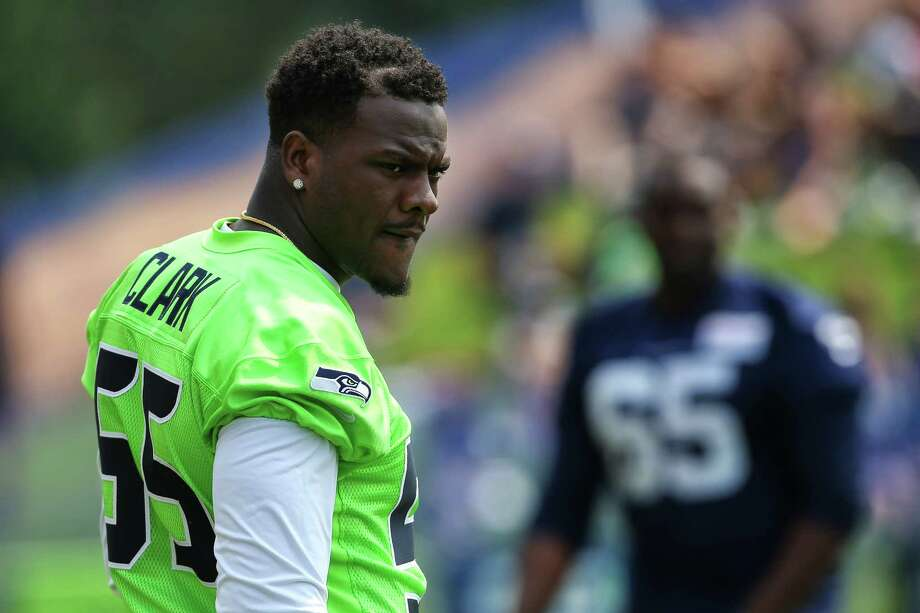 Seahawks' Frank Clark: Cleveland fire killed father, three other family members