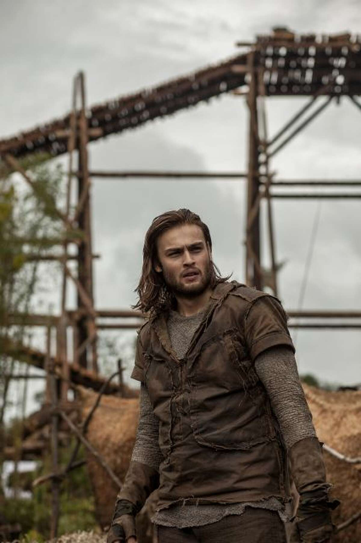 """This image released by Paramount Pictures shows Douglas Booth in a scene from """"Noah."""" (AP Photo/Paramount Pictures, Niko Tavernise, file)"""