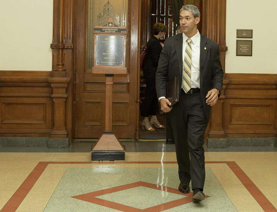 """San Antonio Mayor Ron Nirenberg exits the Governor's Public Reception Room after Monday's meeting with Gov. Greg Abbott. Nirenberg says he asked the governor to ease a proposal to rein in local officials' authority over property tax increases and expressed his concerns about the """"vitriol"""" generated by Abbott's special session agenda. Photo: Stephen Spillman /For The San Antonio Express-News / stephenspillman@me.com Stephen Spillman"""