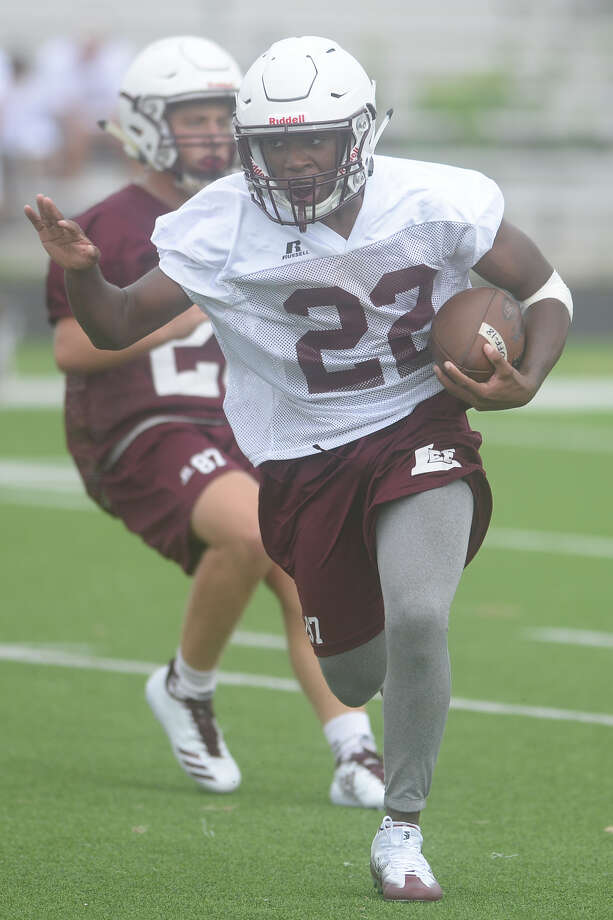 Josh Traylor runs the ball during the first day of Lee High School football practice Aug. 7, 2017. James Durbin/Reporter-Telegram Photo: James Durbin