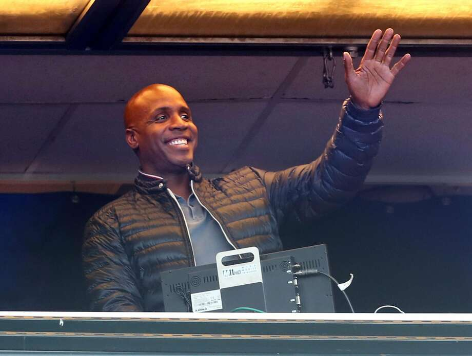 On the 10th anniversary of his 756th career home run, San Francisco Giants' legend Barry Bonds waves to the crowd during giants' game against Chicago Cubs at AT&T Park in San Francisco, Calif. on Monday, August 7, 2017. Photo: Scott Strazzante, The Chronicle