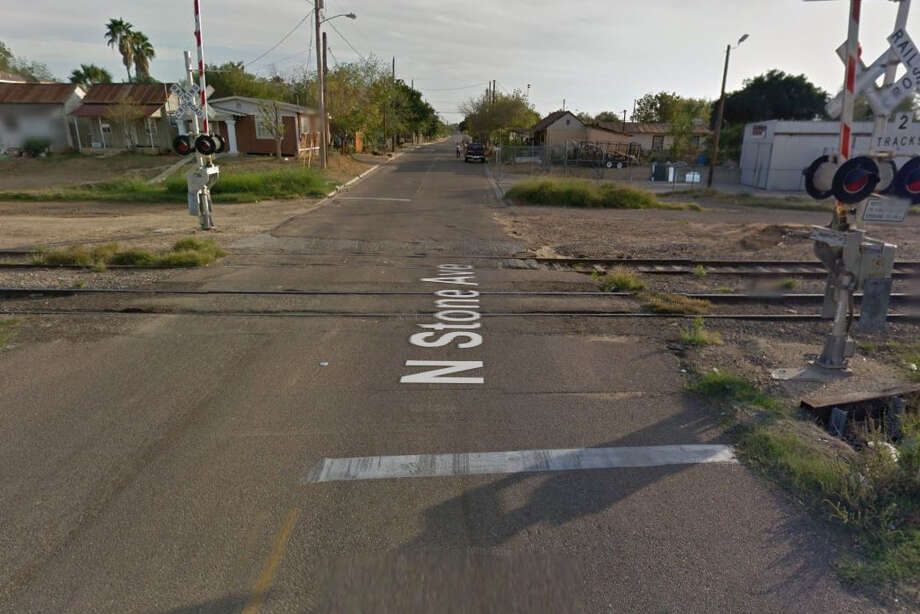 """Authorities responded to reports of a """"man down"""" at about 7 p.m. in the 600 block of North Stone Avenue. Photo: Google Maps/Street View"""