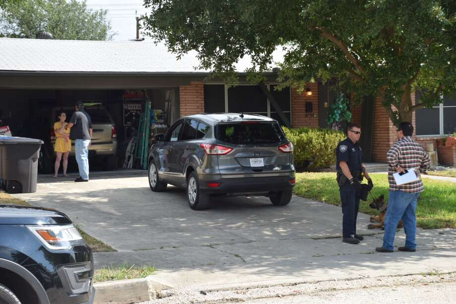 A North Side resident shot at a burglary suspect Tuesday morning when she found him in her home. Photo: Caleb Downs / San Antonio Express-News