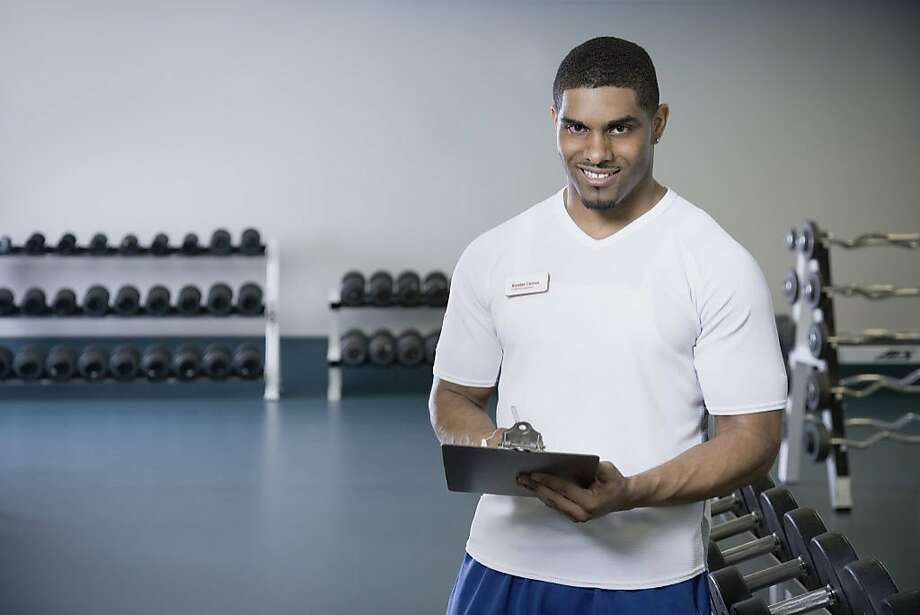 A woman doesn't like a personal trainer that insults other gym members. Photo: Andersen Ross, Getty Images/Blend Images