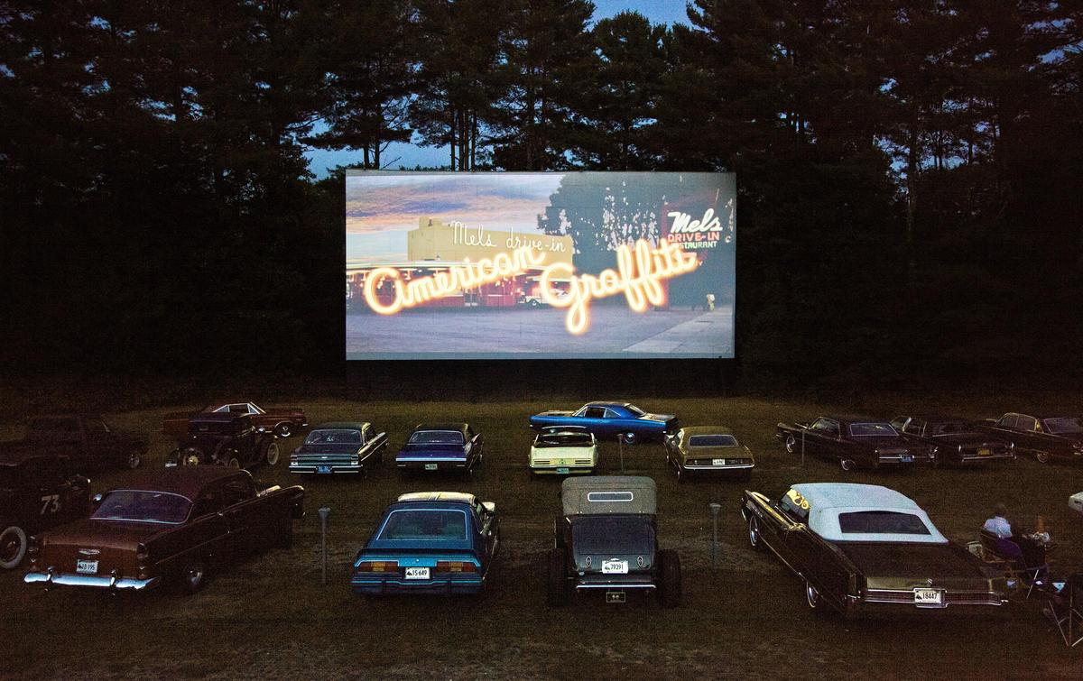 three drive in movie theaters left in connecticut connecticut post. Black Bedroom Furniture Sets. Home Design Ideas