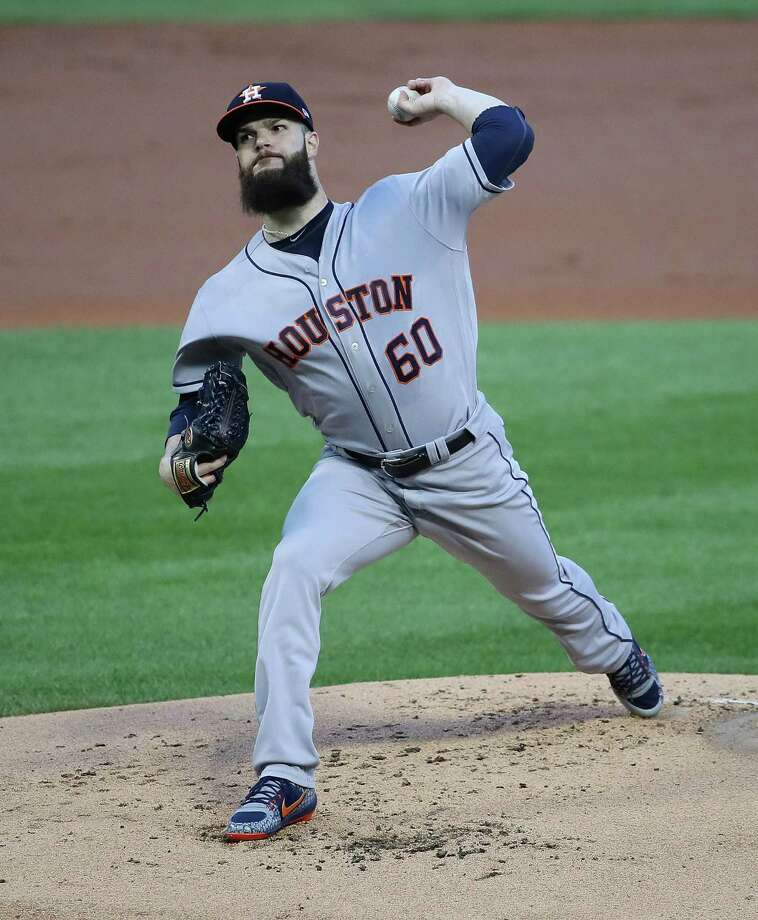 CHICAGO, IL - AUGUST 08:  Starting pitcher Dallas Keuchel #60 of the Houston Astros delivers the ball against the Chicago White Sox at Guaranteed Rate Field on August 8, 2017 in Chicago, Illinois. Photo: Jonathan Daniel, Getty Images / 2017 Getty Images