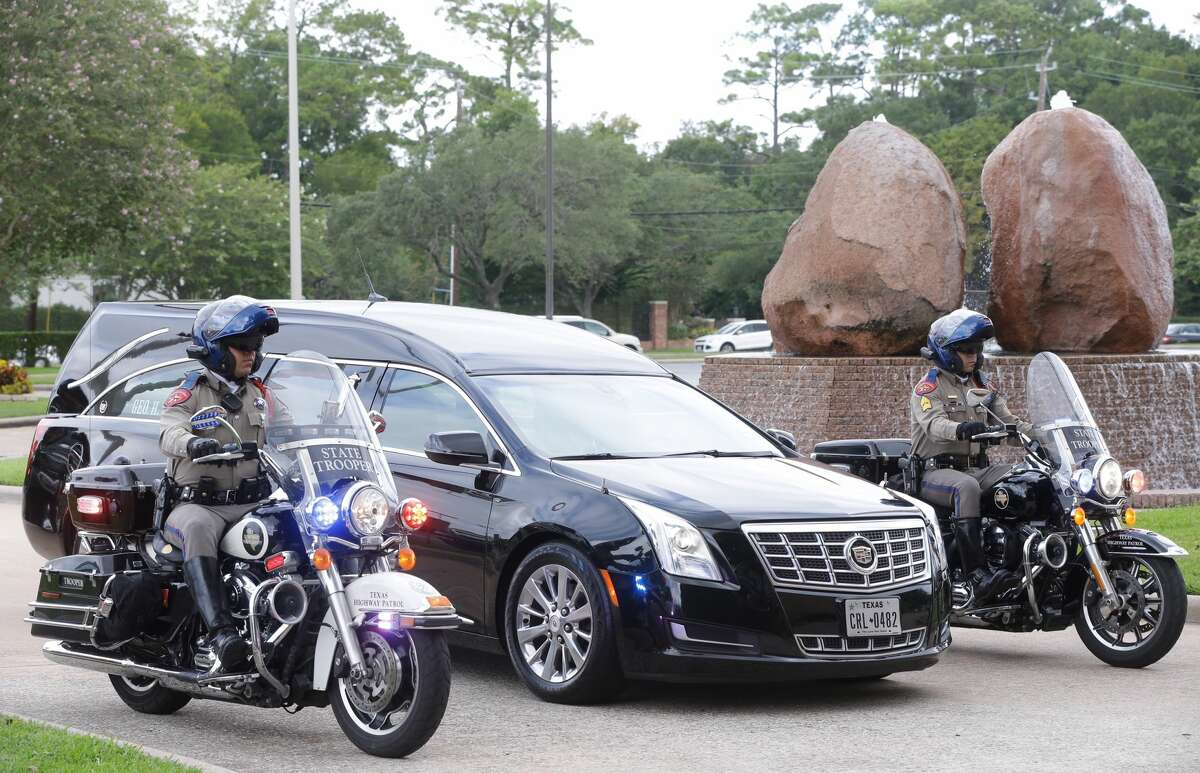 Hearse arrives with casket for the memorial service for former Texas Governor Mark White at Second Baptist Church, 6400 Woodway, Wednesday, August 9, 2017. ( Melissa Phillip / Houston Chronicle )