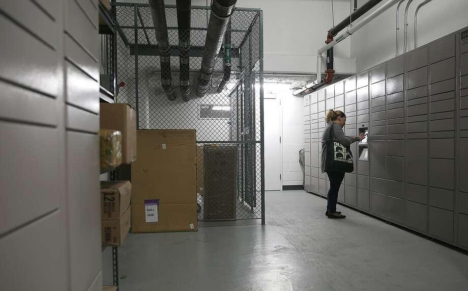 amazon hub lockers threaten to suck data from retail rivals san francisco c. Black Bedroom Furniture Sets. Home Design Ideas