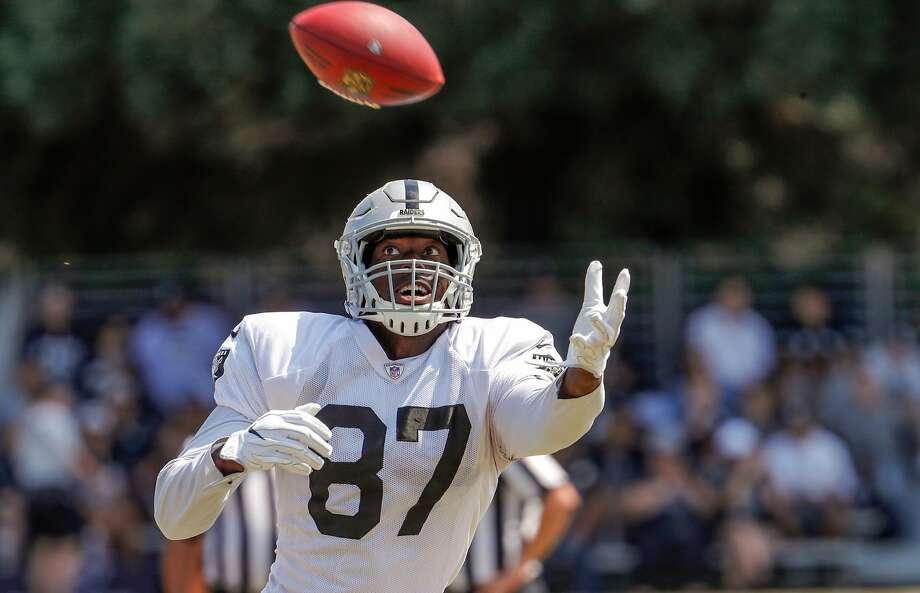 Tight end Jared Cook, 87 runs drills at Oakland Raiders training camp in Napa, Ca., on Wed. August 9, 2017. Photo: Michael Macor, The Chronicle