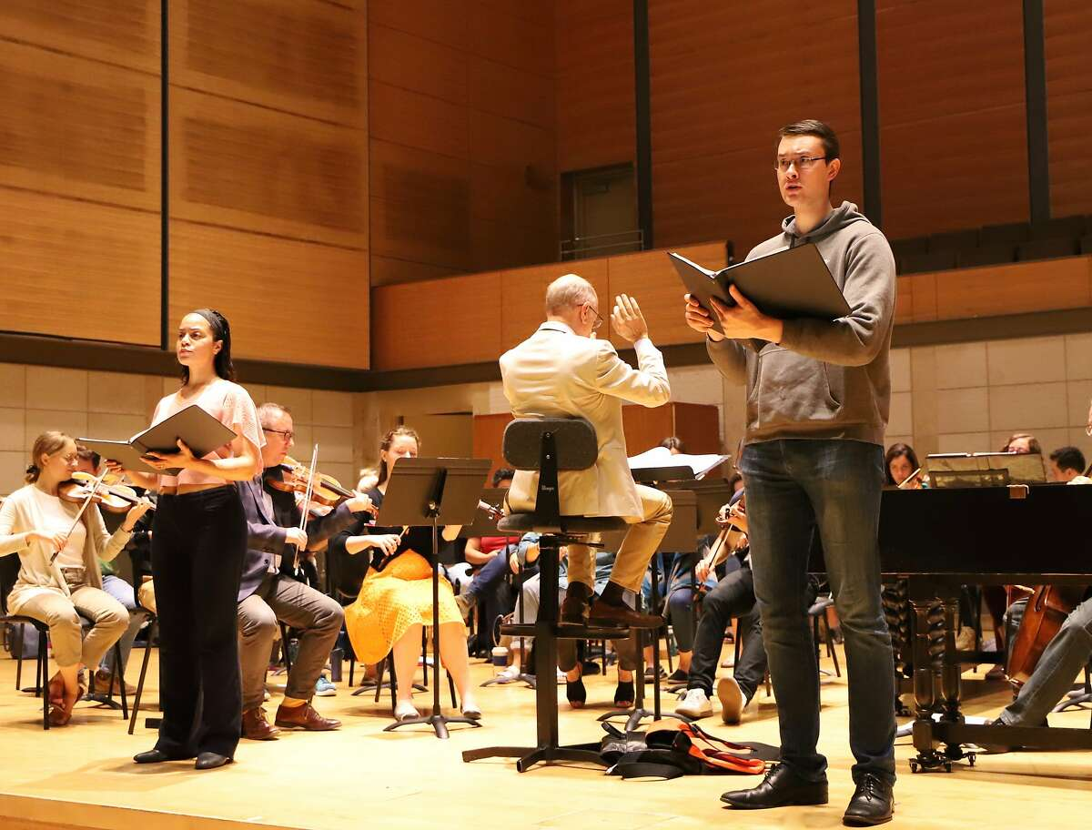 Michele Elizabeth Kennedy (l.) and�William Meinert� in rehearsal with conductor Jeffrey Thomas and American Bach Soloists
