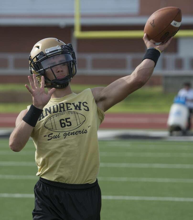 Andrews' QB Jace Keesee throws passes during practice 8/10/17. Tim Fischer/Reporter-Telegram Photo: Tim Fischer/Midland Reporter-Telegram