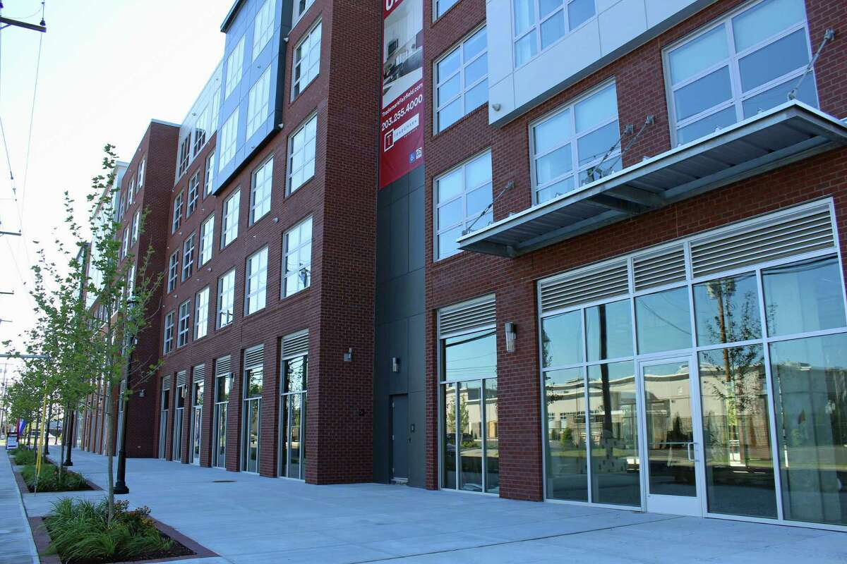 Trademark Fairfield, a mixed-use building on Commerce Drive, has begun leasing apartments.