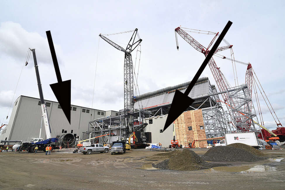 Arrows at PSEG's Sewaren 7 power plant project indicate where the steam generator built at the Port of Coeymans will be installed.