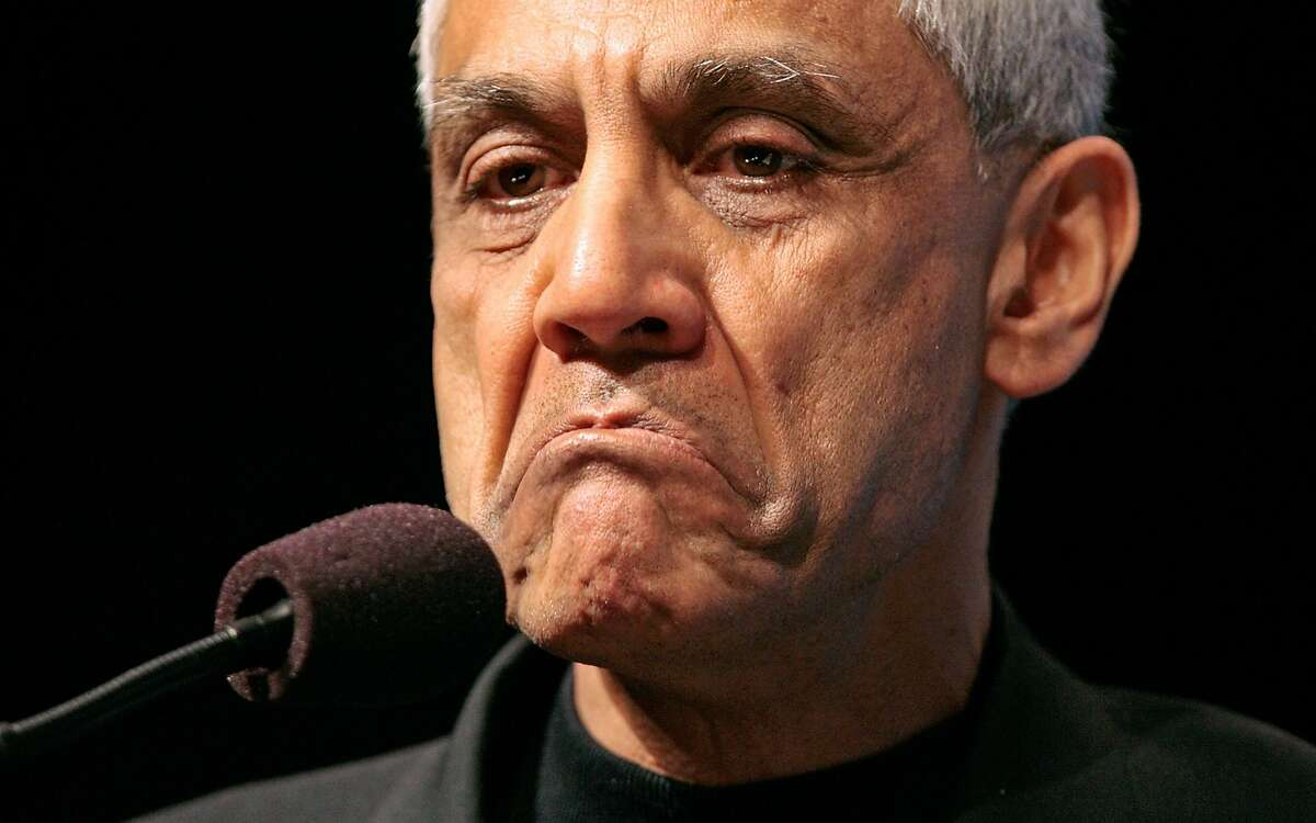 WASHINGTON - MARCH 04: Venture capitalist and founder of Khosla Ventures and Sun Microsystems Vinod Khosla addresses a plenary session of the 2008 Washington International Renewable Energy Conference March 4, 2008 in Washington, DC. During the conference, which is sponsored by the U.S. government, the American Council on Renewable Energy called on the U.S. Congress to renew an existing federal tax credit for renewable-energy projects that is set to expire at the end of 2008. (Photo by Chip Somodevilla/Getty Images)