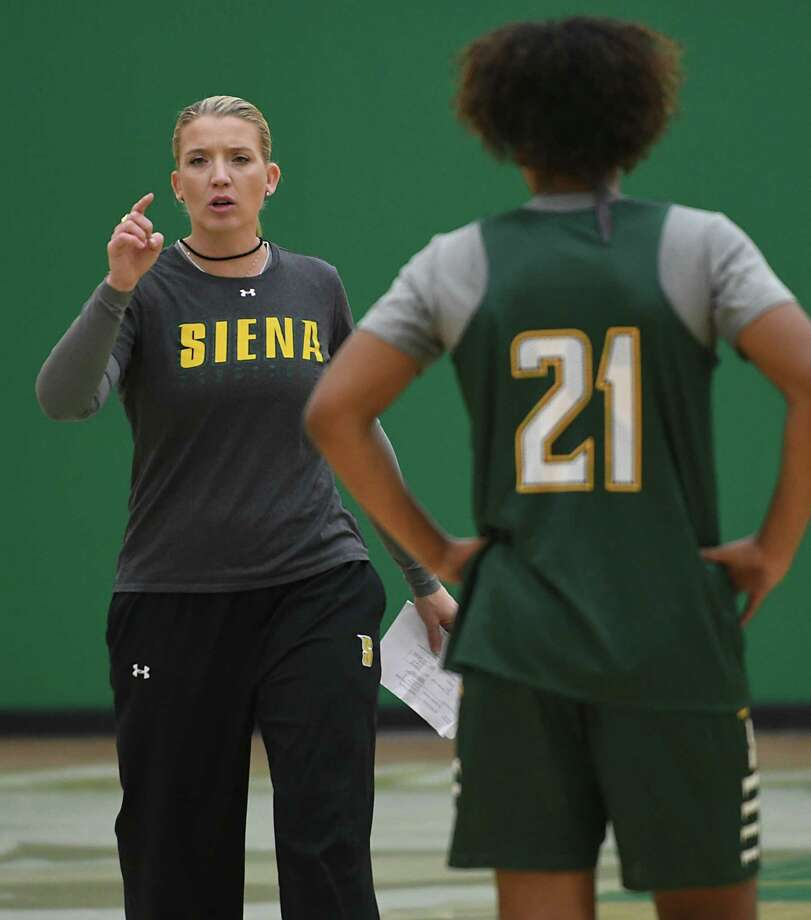 Siena women's basketball coach Ali Jaques goes over a drill during practice at Siena College on Tuesday, Nov. 8, 2016 in Loudonville, N.Y. (Lori Van Buren / Times Union) Photo: Lori Van Buren / 20038725A