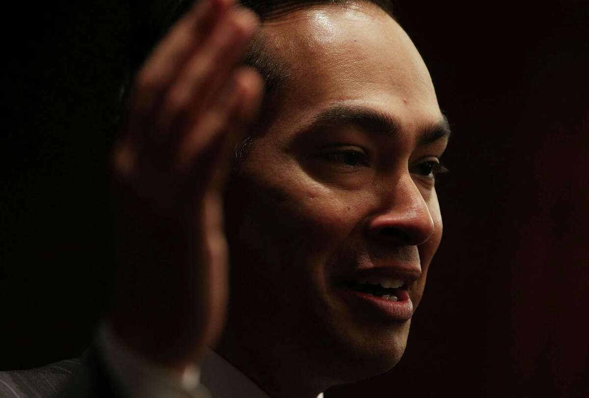 WASHINGTON, DC - DECEMBER 06: U.S. Secretary of Housing and Urban Development Julian Castro speaks during an event December 6, 2016 on Capitol Hill in Washington, DC. Sec. Castro was on the Hill to meet with members of the Latino Leadership Academy of Connecticut. (Photo by Alex Wong/Getty Images)