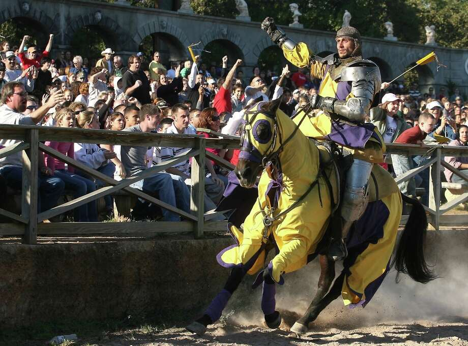 Waller County officials hope that Renaissance Festival attendees and residents will have an easier time jousting with traffic. Photo: Patric Schneider / HCN