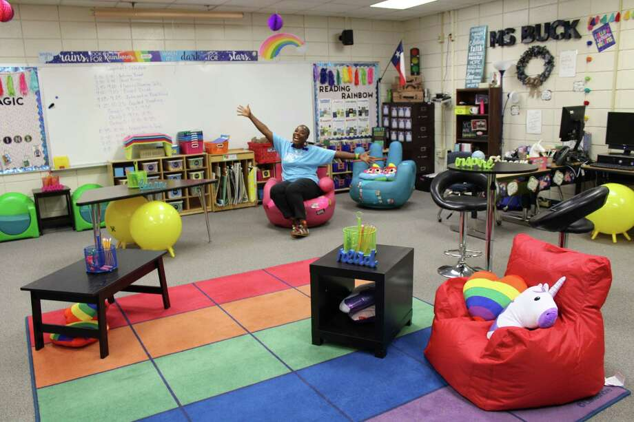 Elementary Classroom Seating Arrangements ~ North belt elementary teacher trades desks for flexible