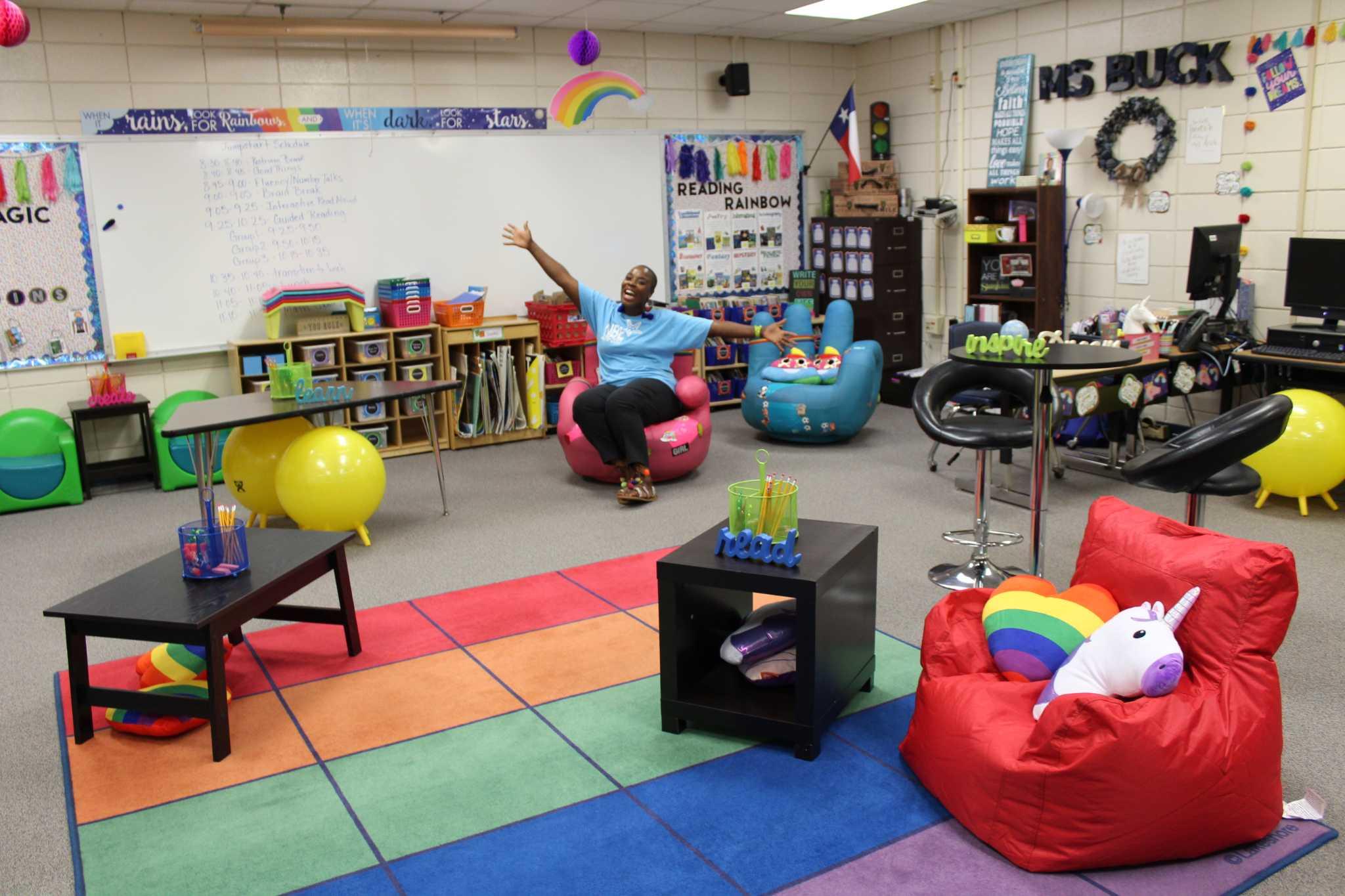 Elementary Classrooms Without Desks ~ North belt elementary teacher trades desks for flexible