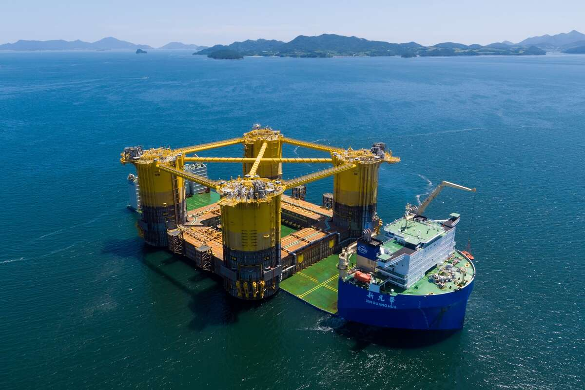 Royal Dutch Shell said the massive four-column hull of a deep-water Gulf of Mexico project recently began a months-long journey to Texas, where it will be integrated with the topsides of an oil platform that will weigh 125,000 tons.