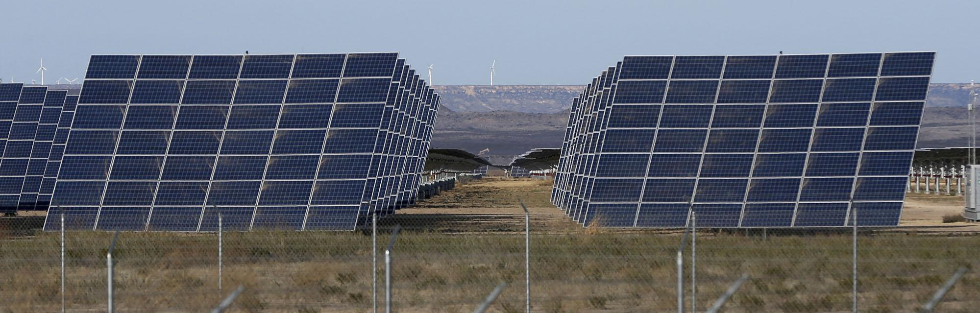 california solar company to build largest solar plant in west texas san antonio express news. Black Bedroom Furniture Sets. Home Design Ideas