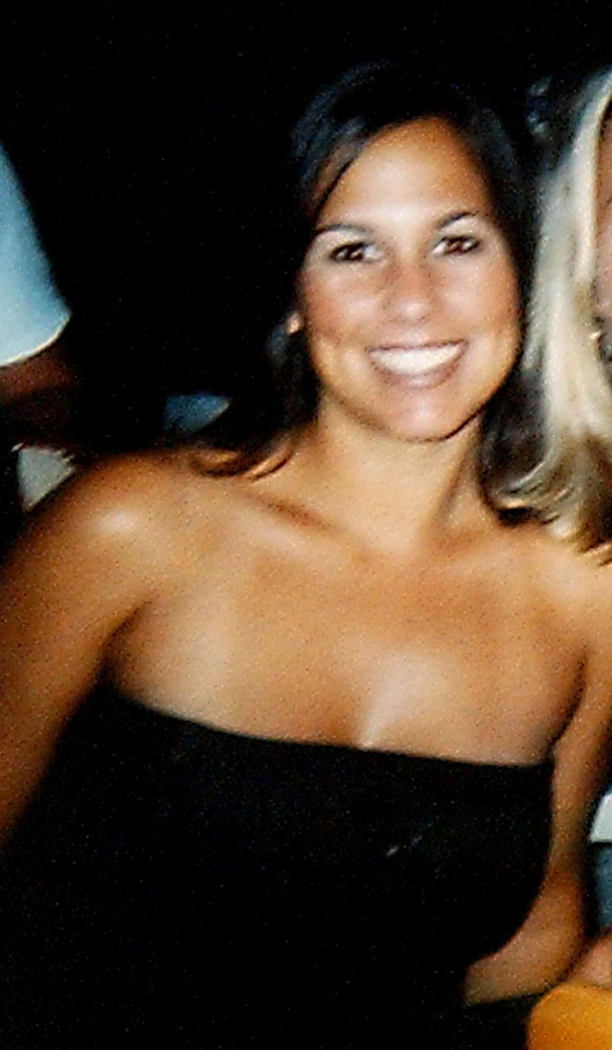 ** FKILE ** Laci Peterson, 27, of Modesto, Calif., is shown in this July 2002 family photo.A jury decided Monday Dec. 13, 2004 that Scott Peterson should be executed for murdering his pregnant wife, Laci, whose Christmas Eve disappearance two years ago was the opening act in a legal drama that captivated the nation. (AP Photo/Peterson Family) Ran on: 12-14-2004 Scott Peterson Ran on: 12-15-2004 A note at the burial site of Laci and Conner Peterson near Escalon (San Joaquin County) memorializes the slaying victims. Ran on: 12-15-2004 A note at the burial site of slaying victims Laci and Conner Peterson near Escalon (San Joaquin County) mentions the verdict. Ran on: 03-17-2005 Lee Peterson (left) and Jackie Peterson, parents of Scott Peterson, leave the courthouse where their son was sentenced to death. Ran on: 03-17-2005 Lee Peterson (left) and Jackie Peterson, parents of Scott Peterson, leave the courthouse where their son was sentenced to death. Also Ran on: 06-24-2007 Laci Peterson ALSO Ran on: 11-02-2007 Scott Peterson Ran on: 11-02-2007 Scott Peterson Ran on: 11-02-2007