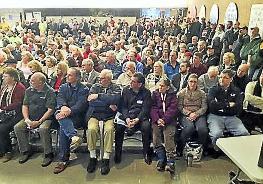 East Windsor Middle School auditorium was packed with residents in favor of a casino Photo: JACK KRAMER — CTNEWSJUNKIE