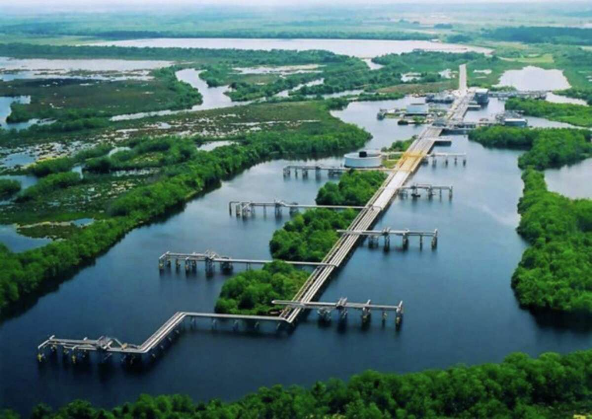 The Louisiana Offshore Oil Port, or LOOP, may become an export center as well as one that receives oil imports.