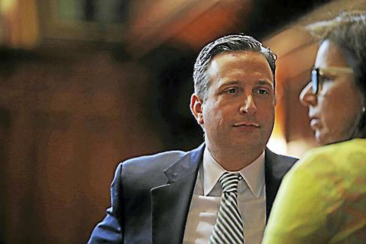 State Senate Majority Leader Bob Diff, D-Norwalk, talks to state Sen. Gayle Slossberg.