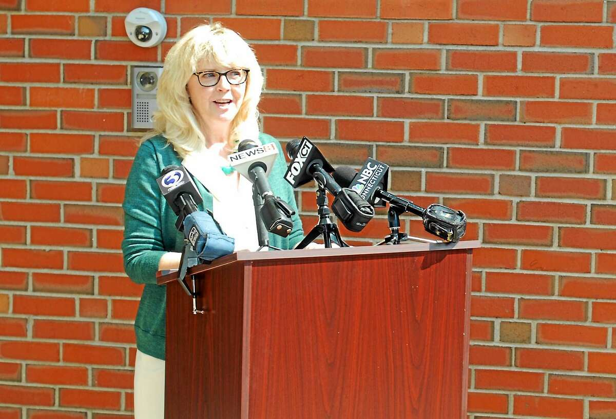 Cromwell Superintendent of Schools Paula Talty speaks to reporters in 2015.
