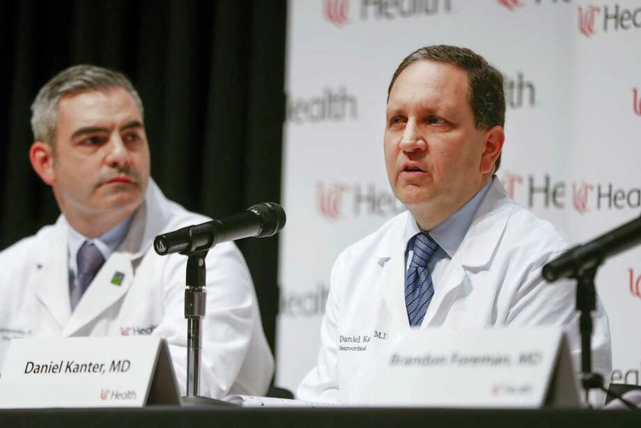 Daniel Kanter, medical director of the Neuroscience Intensive Care Unit, right, speaks alongside Jordan Bonomo, a neurointensivist, left, during a news conference regarding Otto Warmbier's condition, Thursday, June 15, 2017, at University of Cincinnati Medical Center in Cincinnati. Warmbier, who serving a 15-year prison term for alleged anti-state acts in North Korea, was released to his home state of Ohio on Tuesday in a coma. Photo: AP Photo/John Minchillo   / AP